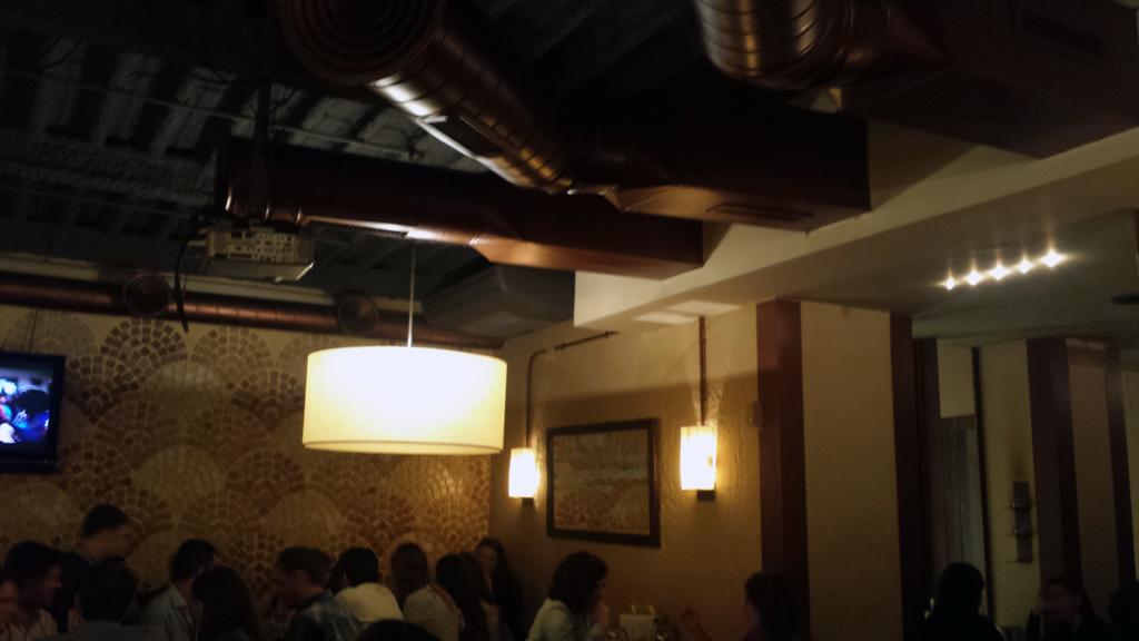 BIOTZA - bar con buen ambiente para comer y cenar pinchos vascos en Barrio de Salamanca en Madrid