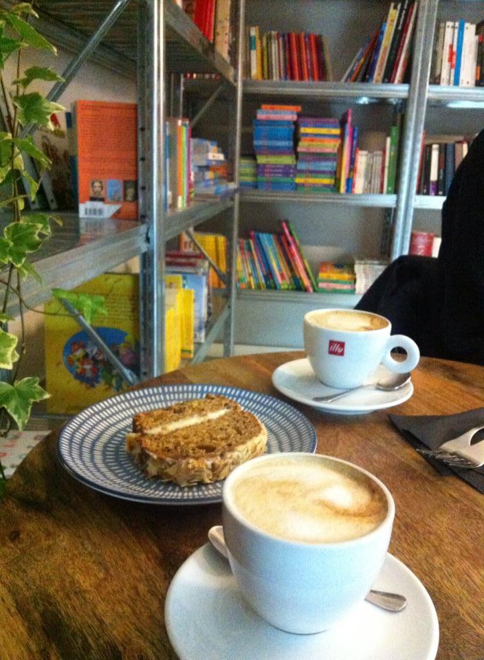 Café y tarta en Italiana Madrid