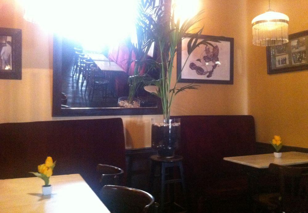 Cafe de Ruiz en Malasaña, salón principal