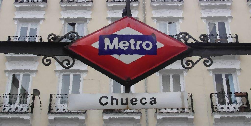 Centro de las fiestas del Orgullo Gay - Plaza de Chueca, Madrid - Estación de Metro