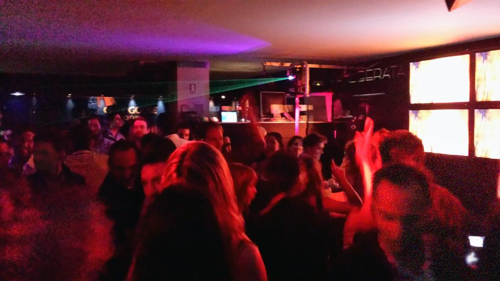 LIBERATA-un local para salir por Madrid con actuaciones en directo