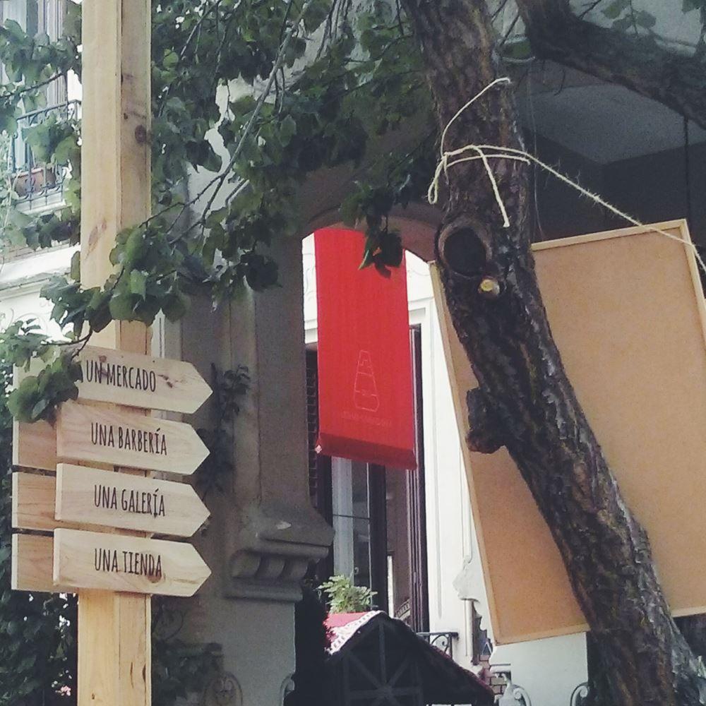 Manzana 330 de Mahou - Mercado, barberia, galeria, tienda y terraza en Madrid