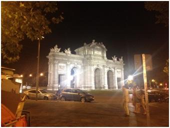 Puerta de Alcala en Madrid - Vista de noche