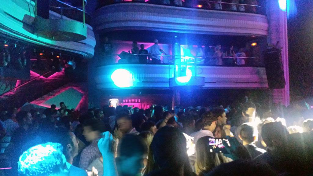 KAPITAL-templo del clubbing en Madrid-la fiesta y la diversión inundan su sala principal, con una luz y un sonido realmente asombrosos