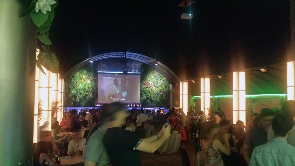 KAPITAL-templo del clubbing en Madrid-la terraza de la séptima planta se abre al cielo de la noche de Madrid