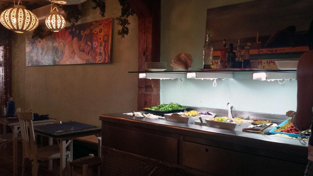 VIVA LA VIDA-un restaurante vegetariano con un buffet de ensaladas para que te las prepares tú mismo